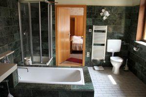 Unterschönau - 1. OG mit saniertem Bad